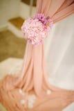 Huwelijksdecoratie bij restaurant met alle schoonheid en bloemen Royalty-vrije Stock Afbeelding