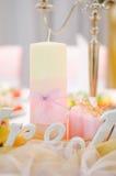 Huwelijksdecoratie bij restaurant met alle schoonheid en bloemen Royalty-vrije Stock Foto