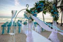 Huwelijksdecoratie op het strand stock fotografie