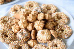 Huwelijksdessert met heerlijke koekjes Stock Foto's