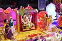 Huwelijksdoll die Hindoese rituelen tonen royalty-vrije stock foto