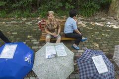 Huwelijksmarkt in Shanghai, China stock afbeeldingen