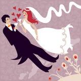 Huwelijkspaar die en van vreugde clinking vliegen Royalty-vrije Stock Foto's
