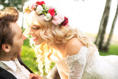 Huwelijkspaar tijdens honeymon Stock Fotografie