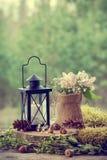 Huwelijksstilleven in rustieke stijl Bos op achtergrond Royalty-vrije Stock Foto