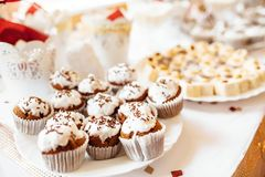 Huwelijksvoedsel, feestelijk dessert, heerlijke schotels royalty-vrije stock foto's