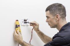 HVAC naprawy mężczyzna Zdjęcie Stock