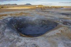 Hverarond geotermiskt fält i Island Detta är ett fält i Krafla Arkivbilder