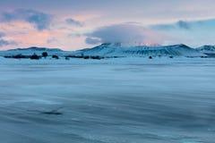 Hverfjallkrater in een sneeuwblizzard Stock Fotografie