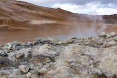 Hverir, foco dianteiro em rochas brilhantes Imagem de Stock