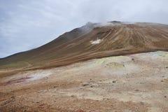 Hverir geotermiskt omr?de p? sj?n Myvatn, Island royaltyfria bilder