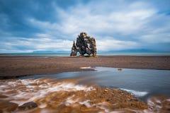 Hvitserkur岩石在冰岛 免版税库存照片