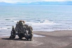 Hvitserkur, hoher Basaltstapel in der Vatnsnes-Halbinsel, in Nordwest-Island Stockfotos