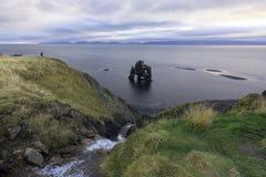 Hvitserkur jest spektakularnym skałą Zdjęcia Royalty Free