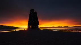 Hvitserkur 15 m高度 是一个壮观的岩石在海 免版税库存图片