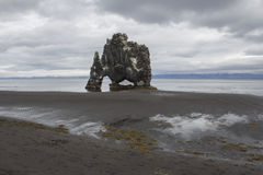 Hvitserkur-Schleppangel in Nord-Island Lizenzfreie Stockfotografie