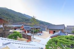 Hwaeomsa-Tempel, der der alte koreanische buddhistische Tempel in Nationalpark Jirisan ist Lizenzfreie Stockbilder