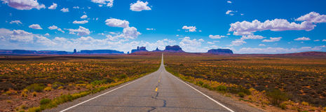 Hwy 163 in Richtung zum Monument Vally Forrest Gump Point Lizenzfreies Stockfoto