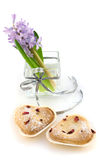 Hyacint in glasvaas met koekjes royalty-vrije stock foto