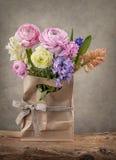 Hyacinten en ranunculus bloemen Royalty-vrije Stock Afbeelding