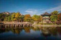 Hyangwonjeong paviljong Arkivbilder