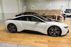 Hybride de BMW i8 montré à la 3ème édition de l'EXPOSITION de MOTO à Cracovie poland Photos stock
