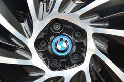 Hybride Elektroautokante BMWs I8 stockbilder
