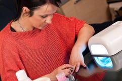 Hybrydowy manicure Obraz Royalty Free