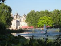 Hyde Park e gli hotel dietro fotografia stock libera da diritti