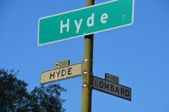 Hyde- und Lombardstraße in San Francisco Stockfotos