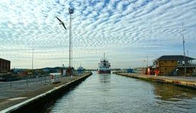 Hydra, algemeen vrachtschip die Shoreham-slot, het UK verlaten stock afbeeldingen