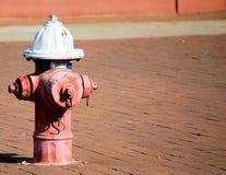 Hydrant op Linkerzijde Stock Fotografie