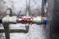 Hydrauliczne drymby klapy w piwnicie Obraz Royalty Free