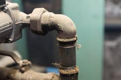 Hydrauliczne drymby klapy w piwnicie Obrazy Royalty Free