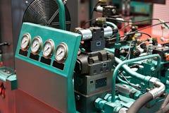 Hydrauliczni agregaty dla przejażdżki pracujące bodies prasy Zdjęcie Royalty Free