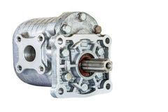 Hydraulikpumpe für die LKW-Nahaufnahme lokalisiert auf weißem Hintergrund Lizenzfreie Stockfotos