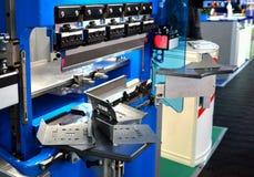Hydraulische blad buigende machine voor bladmetaal het buigen stock foto's