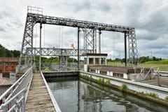 Hydraulische bootlift Nummer 1 van Louviere, België stock afbeelding