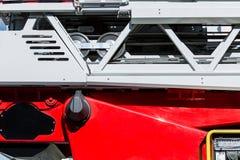 Hydraulische ladder van de close-upmening van de brandmotor stock afbeelding