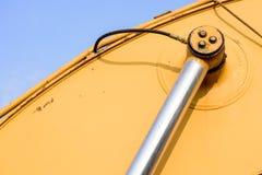 Hydrauliskt metallrör och smutsig metall för guling Royaltyfri Fotografi