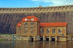 Hydro-elektrische elektrische centrale, Bobr-het Park van het Valleilandschap, Polen Stock Foto's