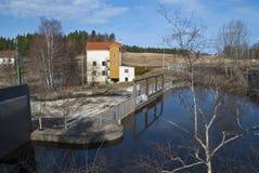 Hydro-elektrische elektrische centrales, de dam. Stock Foto