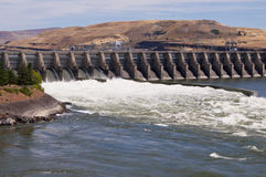 Hydroelectric dam and spillway. On the Columbia River at The Dalles Oregon USA Stock Photography