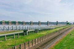 Hydroelectricityväxter över Mississippi River i Davenport, Iowa, USA royaltyfri fotografi