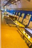 Hydroelektriskt fördämningturbinrum arkivfoton