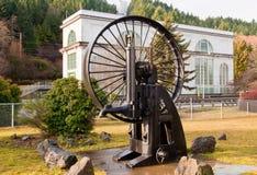 Hydroelektriskt svänghjul arkivfoto