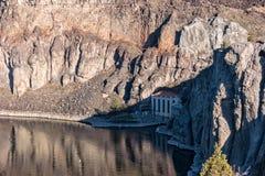 Hydroelektryczna elektrownia przy Shoshone Spada na wąż rzece Fotografia Royalty Free