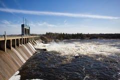 Hydroelektryczna stacja rzeką Zdjęcia Royalty Free
