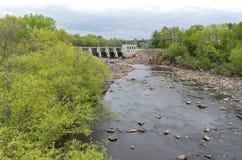Hydroelektryczna tama przy Czarnymi Rzecznymi spadkami Fotografia Stock