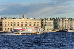 """Hydrofoil """"Meteor"""" on the river Neva in St. Petersburg. Passenger speedboat hydrofoil """"Meteor"""" on the river Neva near the Winter Palace (Hermitage Royalty Free Stock Photography"""
